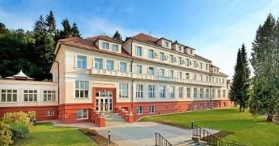 Отель Morava ***
